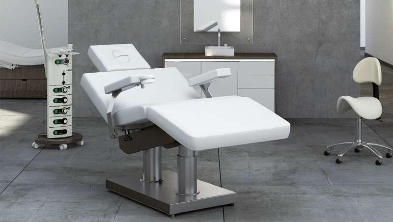 Grupo Gharieni, nueva silla y mesa a la vez para spa y centros de belleza
