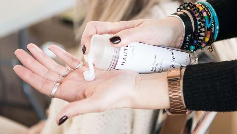 Já chegou a nova geração do styling, Kinstyle Haute Tickening Cream, de Kin Cosmetics