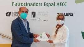 La Fundación VMV Cosmetic Group patrocina con una dotación de 22.990 euros el espacio que tiene la Asociación Española Contra el Cáncer (AECC) en Barcelona con servicios gratuitos de apoyo a enfermos y familias