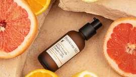 A diferencia de la vitamina C tradicional, el Ester de vitamina C patentado por Perricone MD es una forma más potente, altamente estable y menos agresiva, por lo que es fácilmente absorbible para obtener los máximos beneficios antioxidantes