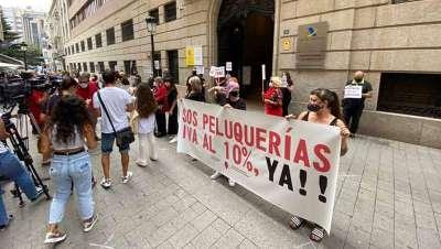 Casi la mitad de las peluquerías de la provincia de Albacete en peligro de extinción
