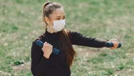 Clínica Rozalén descubre las claves, mitos y verdades para practicar deporte con mascarilla, el elemento que queda durante tiempo entre nosotros con el fin de no contagiarse de la Covid-19