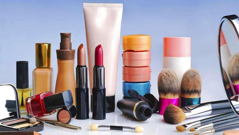 California, primer estado en prohibir ingredientes químicos en la cosmética