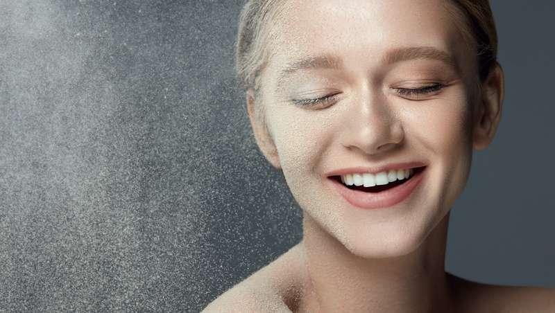 La industria cosmética, adicta al polvo