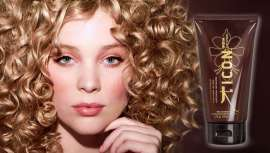 Curl Cream, potenciador de rizos de la línea India Hair Ayurvedic de I.C.O.N., es ese must que tu cliente quiere y repite una vez detrás de otra. Para unos rizos ultradefinidos y exóticos