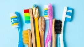 Uma investigação do Trinity College de Dublin sobre o ciclo de vida de diferentes modelos de escovas para a higiene bucodental, avalia o seu impacto ambiental, com alguma outra surpresa em relação a algum material e eficácia