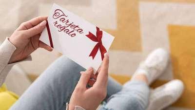 Las tarjetas regalo reflotan a los salones estadounidenses