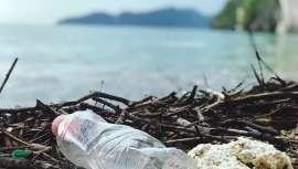 Esta división de la estadounidense Beauty Quest Group se acaba de asociar con la empresa Plastic Bank para evitar que 50 toneladas de plásticos vayan a parar al mar