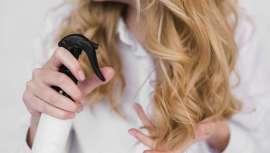Digam o que digam, ceras, espumas, lacas e qualquer produto de fixação são os melhores aliados para definir o penteado e assegurar que este permaneça durante mais tempo, até quando as condições climáticas não são as mais adequadas