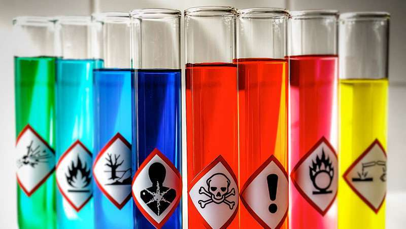 Livres de químicos tóxicos