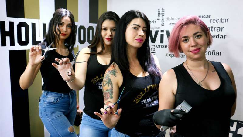As 'lady barbers' conquistam a barbearia