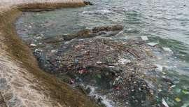 Na salvaguarda do planeta, a limpeza dos mares e a reciclagem e eliminação de plásticos e micropartículas geradas por diferentes indústrias, incluindo cosméticos, são fundamentais. 250 empresas reúnem-se para minimizar o uso e o impacto