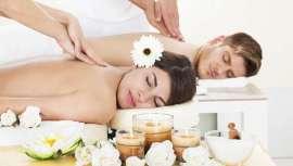 Revemos a história da massagem para triunfar mais que nunca, contra o distanciamento social com o rei da saúde, o qual nos faz manter (ou não…) o desejado contacto entre pessoas, agora esgotados pelo confinamento