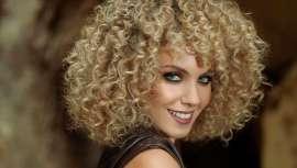 Éxito de ventas de Grupo Tahe que pulveriza cifras, línea Magic Rizos, apta para el Método Curly Girl
