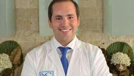 El famoso especialista consigue el galardon Premio Médico del Año al Mejor Cirujano de Rinoplastia en España por segundo año consecutivo