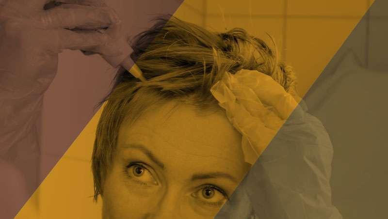 As mulheres que pintam o cabelo em casa