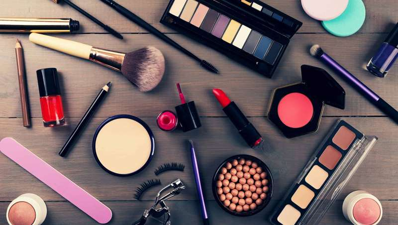 La cosmética 'prestige' en Reino Unido desciende sus ventas