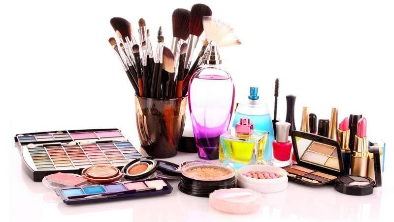 França regista uma queda sem precedentes de 20% na venda de cosméticos de prestígio