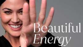 El nuevo eslogan de la nueva imagen de Cynosure, en consonancia y al ritmo de los tiempos y deseos de los pacientes: el brillo espectacular de la belleza más natural