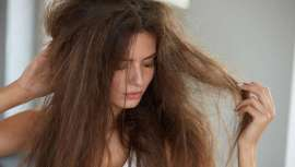 ¿Menos pelo? Una de las quejas más comunes de nuestros clientes. Pero, ¿a qué es debido? ¿Es rotura o es caída? Los expertos estilistas dan respuesta