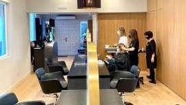 En un ambiente exclusivo y con la calidad, la belleza del cabello y la excelencia en la atención con el cliente como distintivo, el nuevo salón Premim Lluís Llongueras en La Moraleja elige los productos y marcas profesionales de Wella Company