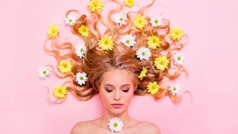 Con la primavera, el pelo se altera: lista de anomalías capilares y cómo combatirlas
