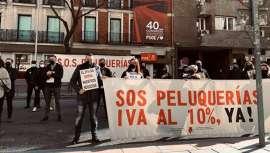 La protesta contra el IVA en peluquería se extiende, ya son más de 100 ciudades españolas las que se manifiestan