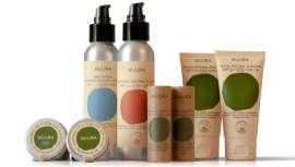 Firma de cosmética especializada en protectores solares orgánicos y completamente sostenible, que protege la salud de la piel, previene su envejecimiento y preserva el medio ambiente y el planeta