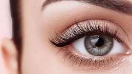 El Covid-19 ha provocado que nos maquillemos menos, pero los ojos siguen siendo protagonistas y unas pestañas bonitas son clave para ensalzarlos
