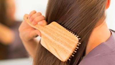 Todo lo que siempre has querido saber sobre cómo cepillar bien tu pelo