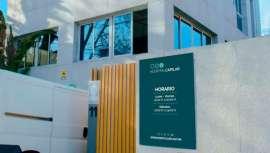 Hospital Capilar comienza su andadura con una clínica de 2.000 metros cuadrados en Madrid, así como otras en Pontevedra y Murcia, con especialistas de primer nivel y la utilización de técnicas de última tecnología y un ambicioso plan de expansión