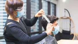 A raíz de la pandemia, muchos clientes que demandan servicios de estética y peluquería prefieren ser atendidos en casa. La tecnología les acerca a sus centros de belleza en Colombia