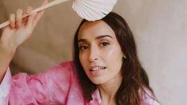 Cristina Lobato, famosa maquilhadora, recomenda escolher a base em função das necessidades da pele dos gostos pessoais. E revê as tips da maquilhagem perfeita