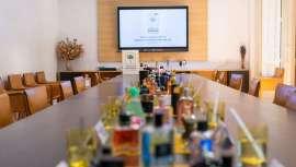 La Academia del Perfume lleva 14 años celebrando sus premios, los ya conocidos como Óscars del Perfume, como una vía de acercamiento del perfume a la sociedad, destacando la labor artística que hay tras cada creación