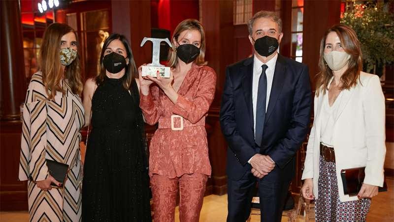 Kevin.Murphy, de gala en los Premios Telva de Belleza, recoge su premio al Mejor Producto Capilar 2021