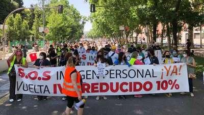 Peluqueros de toda España, por un IVA justo