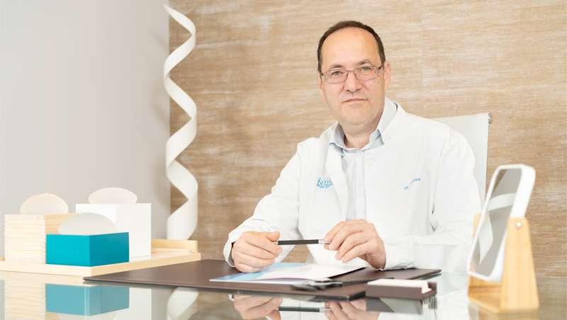 Dr. Jorge Novoa: 'No podemos pretender aparentar 30 años, teniendo 60. Lo importante es la naturalidad, un rostro fresco, alegre y luminoso'