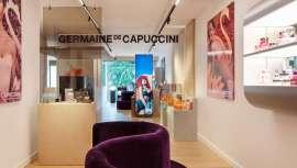 Lo hace en el Palazzo Eden, en el corazón de la capital de la Friuli italiana, Venecia, aportando un espacio distinguido y aristocrático con una completa y destacada infraestructura para las formaciones y presentaciones de la marca