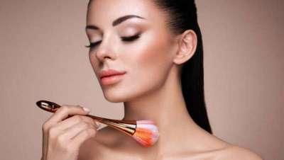 Las cinco zonas corporales, que no sabías, pero vas a iluminar con makeup este verano