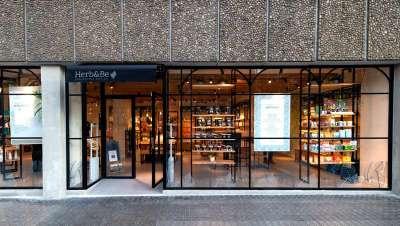 Her&Be, la parafarmacia-boutique, centro on y off-line de belleza, consulta y salud