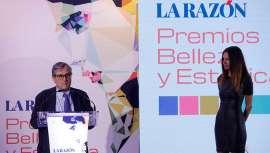 En la gala de los prestigiosos Premios Belleza y Estética del periódico La Razón, Asclepion Laser Technologie se distingue y recibe su galardón, demostrando la eficacia, calidad e innovación de sus equipos y tratamientos médico estéticos