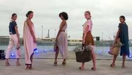 Los estilistas de José Luis de las Heras coronan los looks de las firmas de Moda Cálida en la pasarela Summerland 2021
