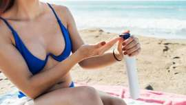 En un comunicado, la patronal afirma que todos los productos cosméticos, incluidos los de protección solar, están sujetos a una normativa extremadamente estricta, cuya aplicación es supervisada de cerca por las propias autoridades sanitarias