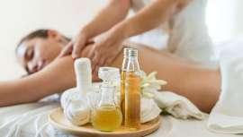 En los últimos años, hay una gran demanda del uso de aceites esenciales no solo en centros spa, sino en todos y cualquier centro de belleza. Te contamos por qué debes estar atento a los mismos e incorporar la aromaterapia a tu oferta