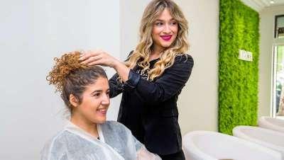Feliz Día Internacional del Peluquero, 10 estrellas de la profesión hablan de sus salones y pasión por el cabello