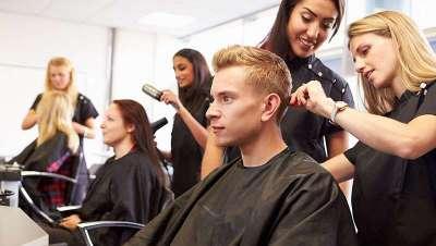 La peluquería francesa se llena de aprendices