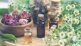 La aromacología y la aromaterapia estudian y trabajan el uso de los aceites esenciales para tratar diferentes problemas físicos y mentales. Desde Kneipp, explican cómo practicarlas en casa