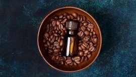 La cafeína tiene múltiples beneficios para la salud de la piel y es el ingrediente estrella de muchos productos cosméticos. Te contamos los secretos de sus activos milagrosos