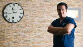 Con 29 años es director del balneario urbano Más Que Agua de Madrid. En su trabajo no tiene horarios, pero es lo que más le gusta.