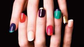 Duran más que los esmaltes de uñas tradicionales, se eliminan fácilmente y permiten lucir un color y brillo excepcional